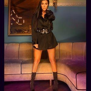 Pretty Little Things  X   Kourtney Kardashian